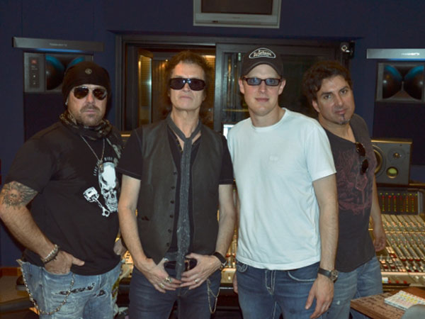 Black-Country-Communion-studio-time