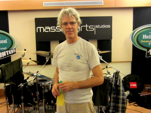Stewart-Copeland-playing-in-Live-Room