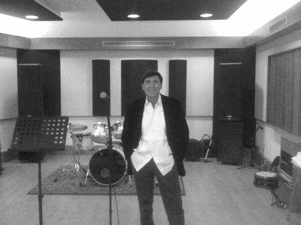 Gianni-Morandi----Live-Room